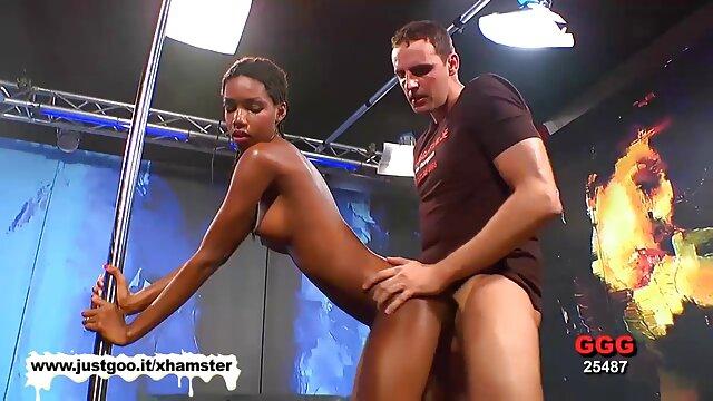 Babe analement baisée par deux bites extrait de film porno francais