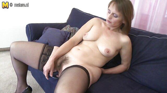 Eden footjob sur mon canapé hantai porno en francais