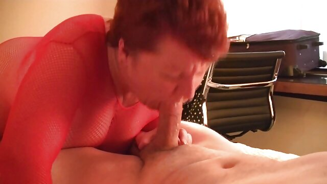 Une milf aux film sexe francais streaming gros seins naturels se fait baiser