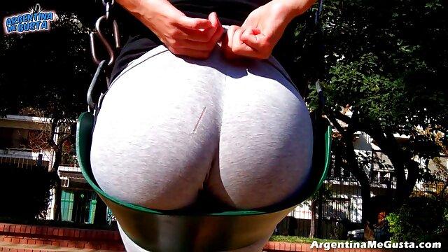 Un mec en forme attrape sa films porno francais complet femme par la taille et lui claque le hardcore